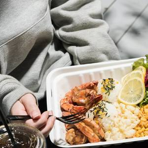 いつでもどこでも手軽にピクニック♡「Uber Eats」のおすすめフードデリバリー