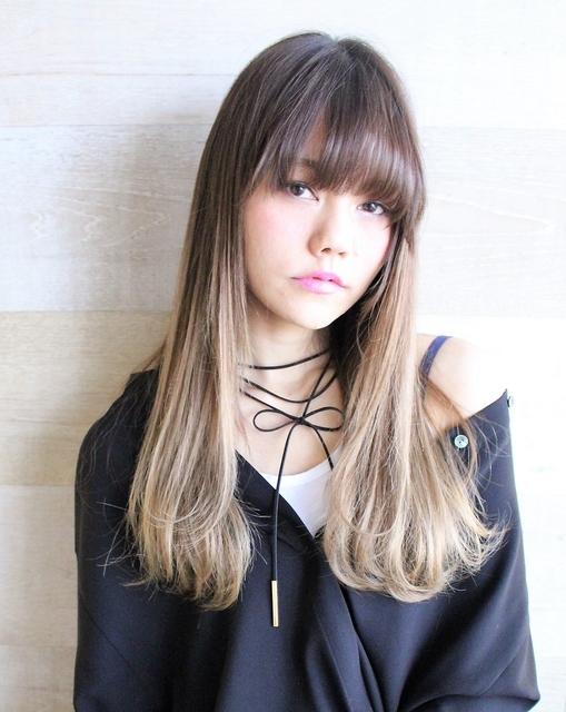 ロングヘア×金髪グラデーション