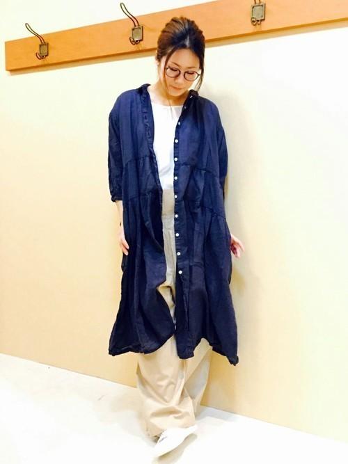 紺のシャツワンピース