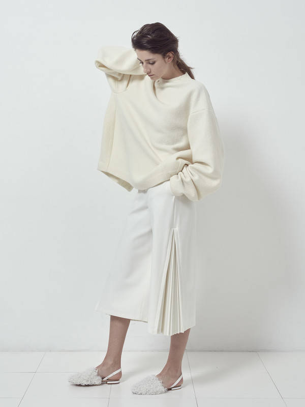 SIDE PLEATS PANTS