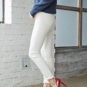カッコよく着こなしたい、白パンツのコーデ集!カジュアル〜きれいめコーデも