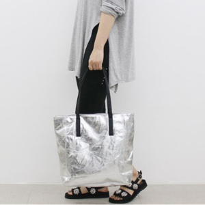 2018年流行りのバッグ5選。アクセ感覚で持ちたい最旬バッグ!