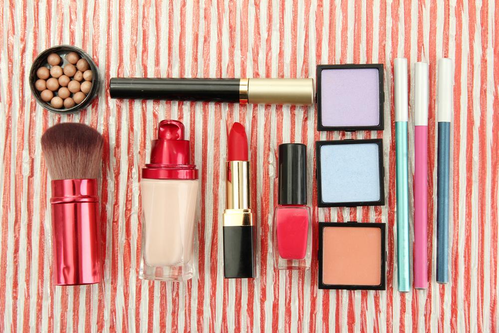 並べられている化粧品