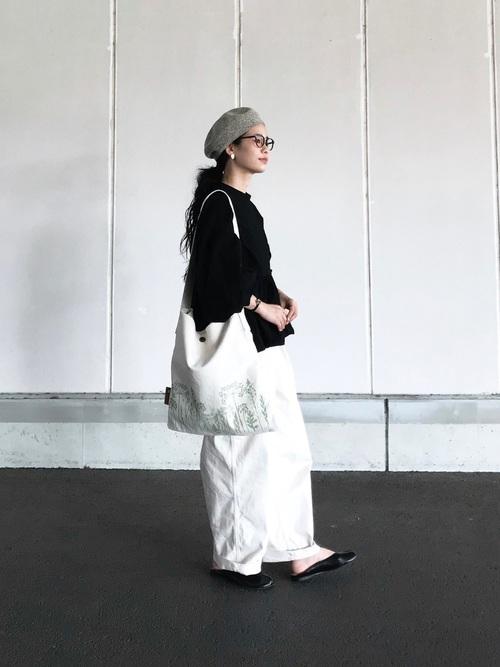 メンズライクな服でモードなモノトーンコーデ