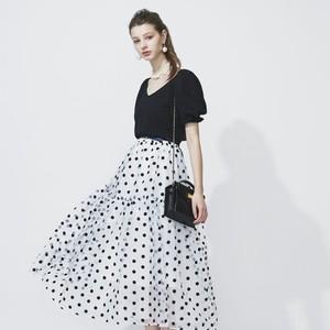 黒、白、赤…どれにする?大本命ドットスカートのコーデ特集