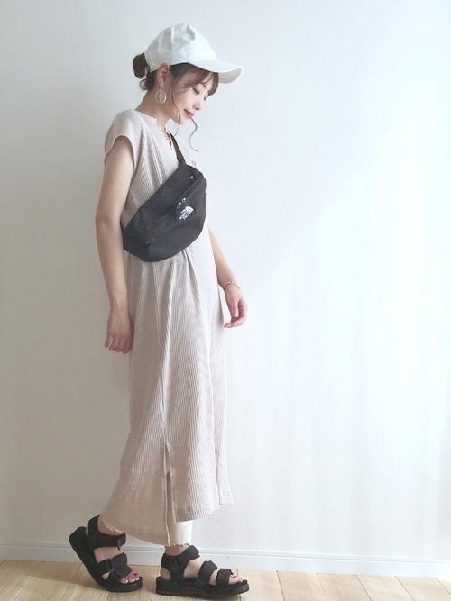 楽チンでかわいい「Tシャツワンピ」の夏服コーデ