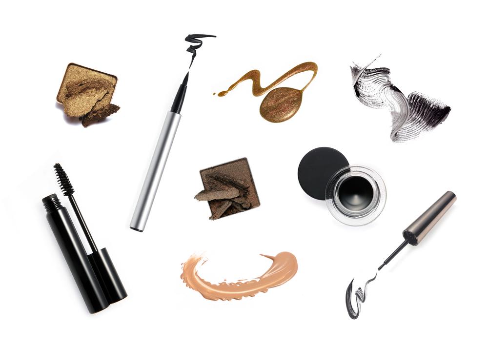 色々なアイメイク道具