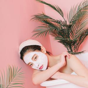 引き締めも潤いもゲット!進化した2018最新「韓国小顔コスメ」6つ