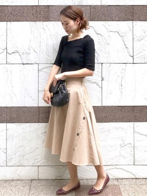 5分袖カットソー×フレアスカート