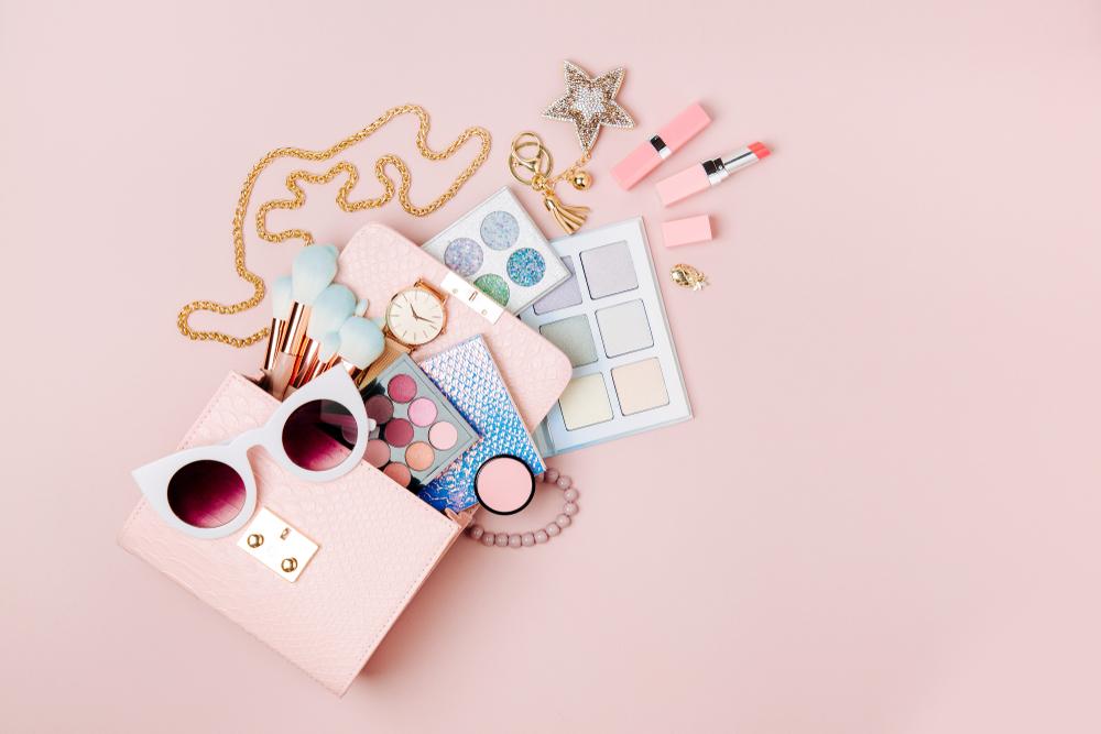 ピンク系のメイク道具