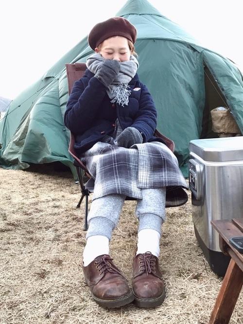 寒い冬の日のお洒落なアウトドアコーデ
