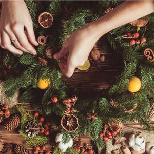 「クリスマススワッグ」作りに挑戦!表参道で気軽に体験できるお店をご紹介