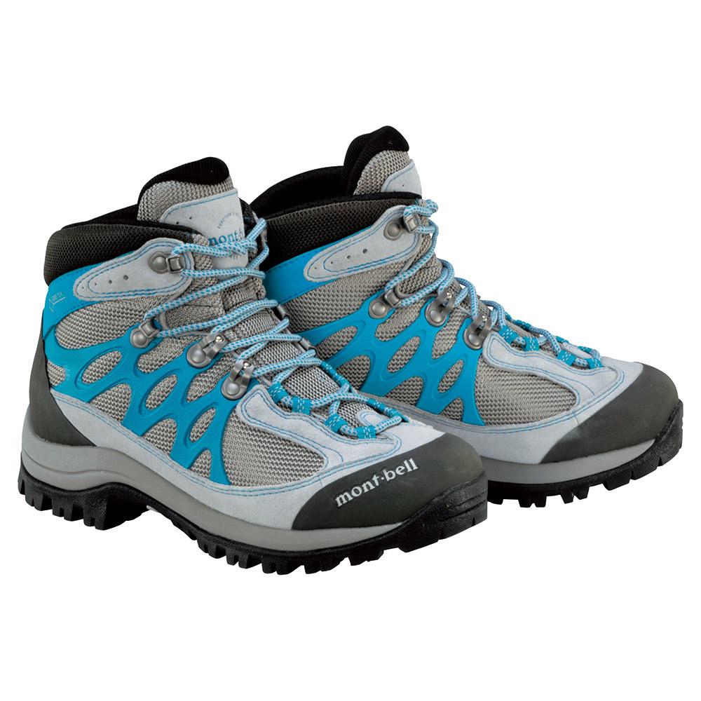 モンベルのミドルカットの登山靴