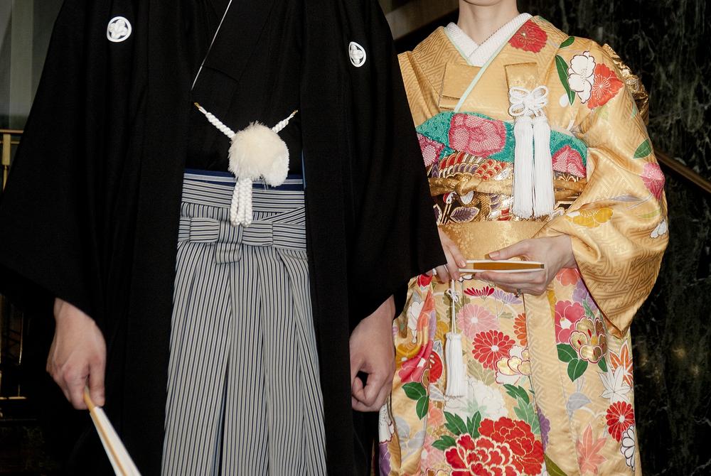 引き振袖を着た和装婚