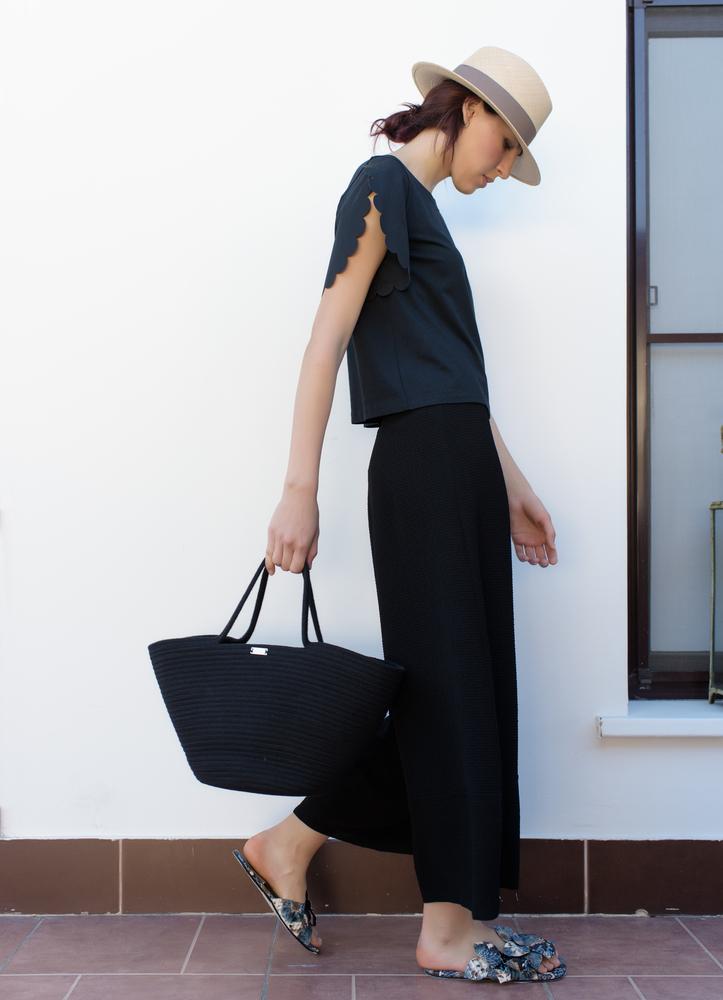 キレカジ系ファッションの女性