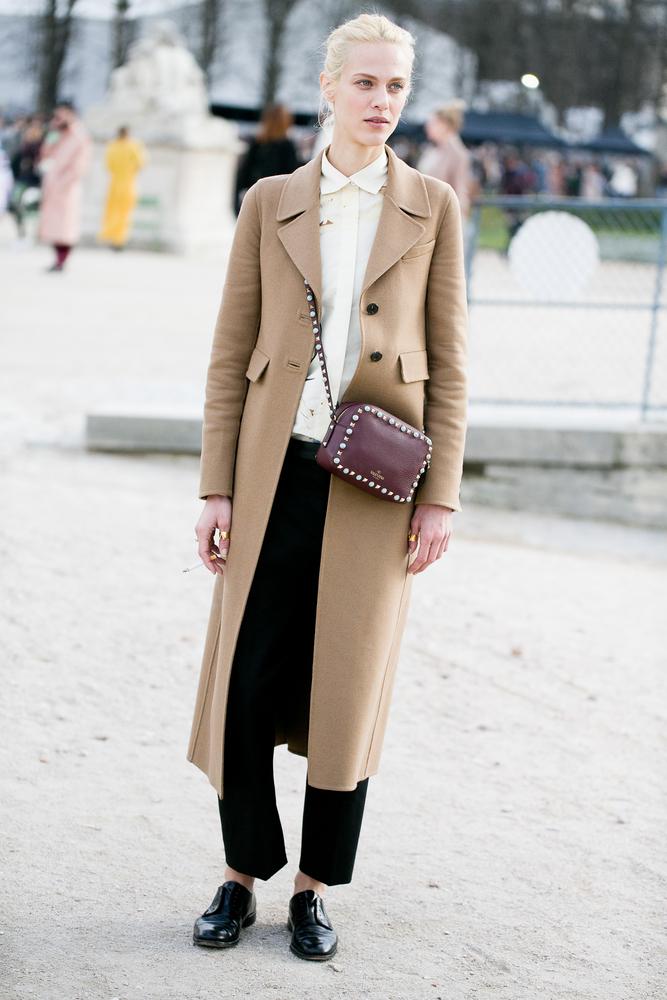 ベーシック系ファッションの女性
