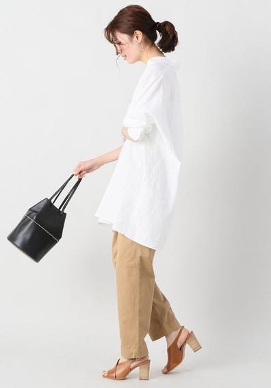 IENA(イエナ)の2018年オーバーサイズ白シャツコーデ
