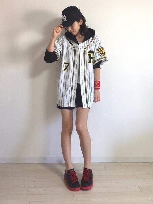 阪神タイガースユニフォームコーデ